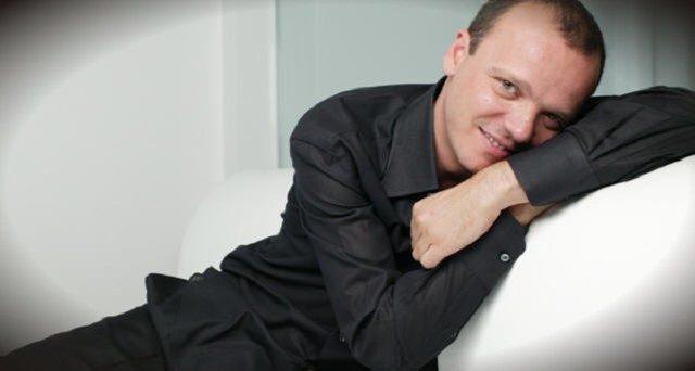 Gigi D'Alessio su RTL 102.5