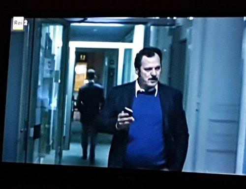 "Antonio Gerardi di RTL 102.5 stasera (22 febbraio) su Rai 2 nel film ""La Porta Rossa"""